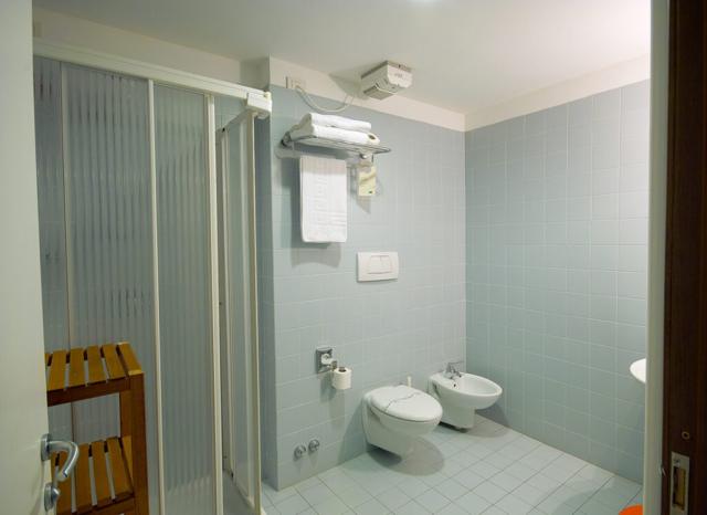 Bagno Camera Standard Hotel L'Approdo